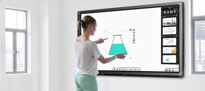 Le tableau intelligent ou l'écran d'affichage numérique : la technologie au service de l'éducation