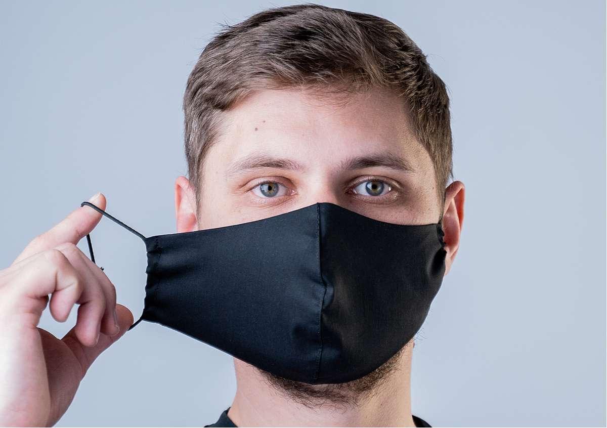 Masque chirurgical à usage unique ou masque en tissu : lequel utiliser ?